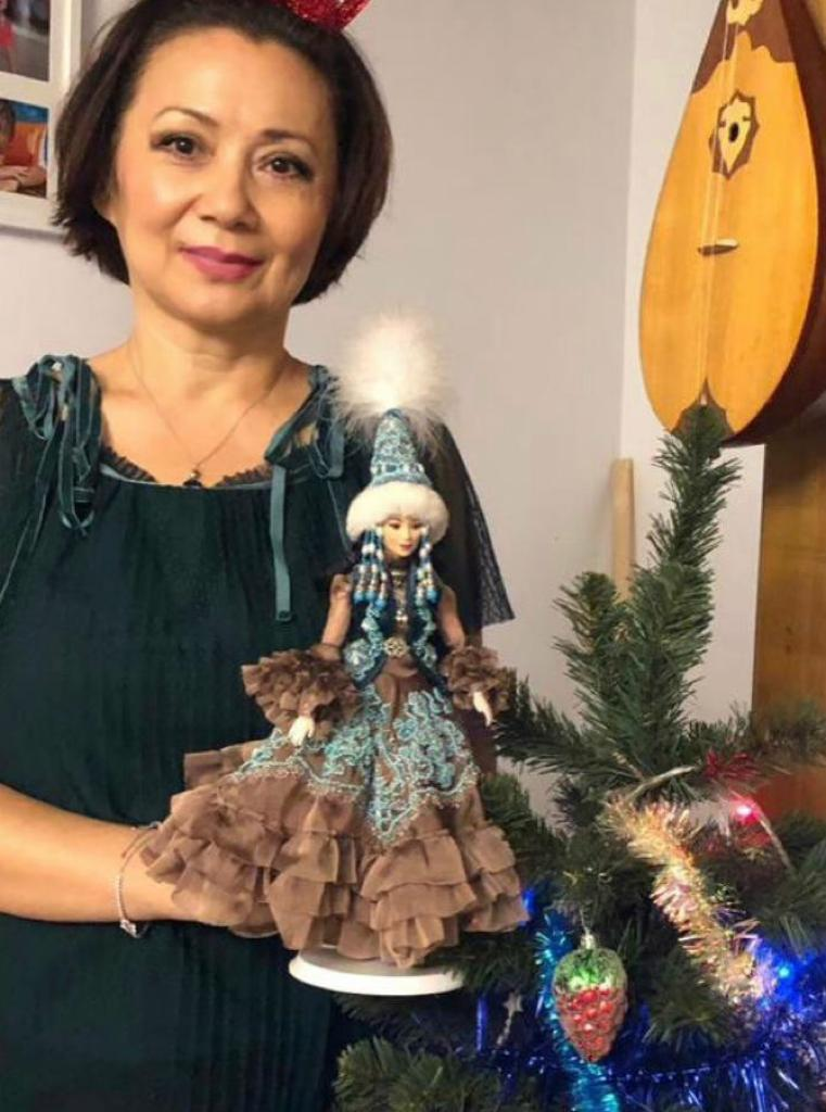 The beauty of the Kazakh national costume in miniature: doll fashion designer Gulnara Khamza