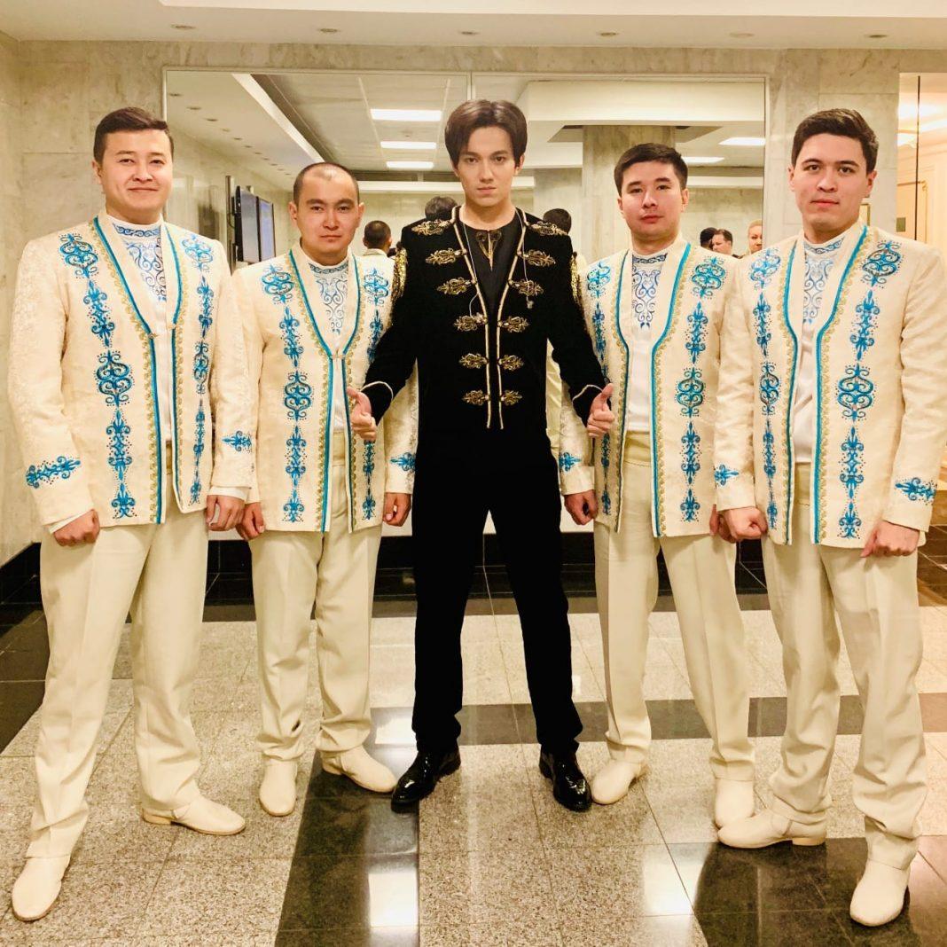 Sybyzgy master, Sandzhay Almishev, instrumentalist working with Dimash