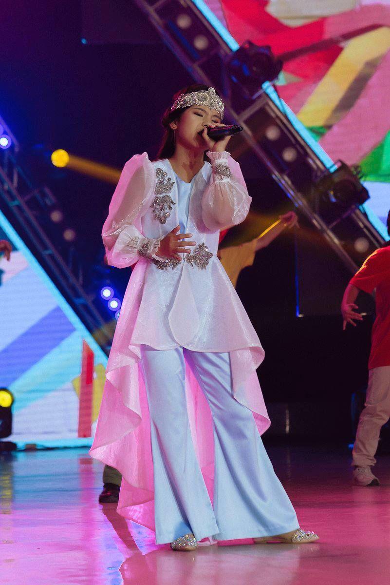 singer Ailun Zausheva Taraz Baqytty Bala-2021