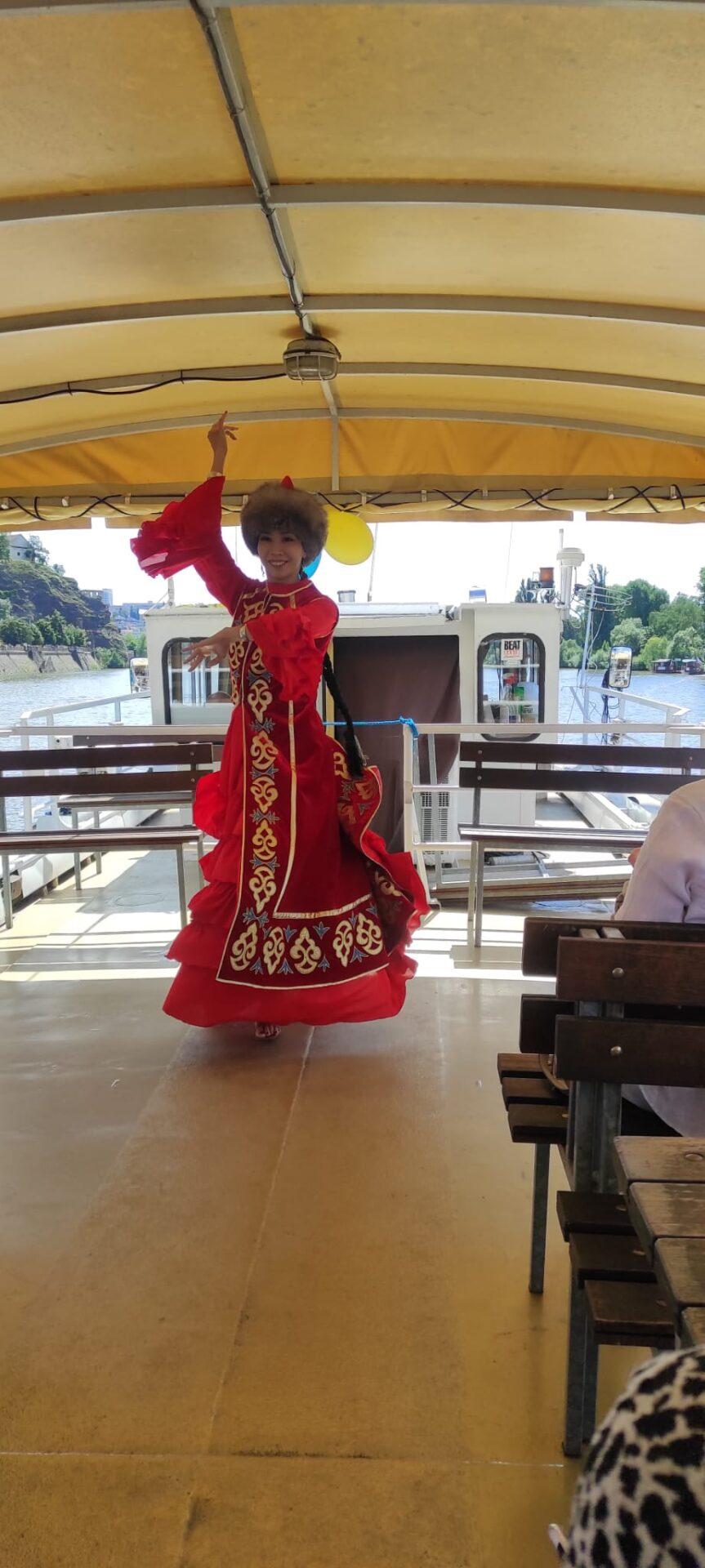 kazakh dance girl Praha Prague